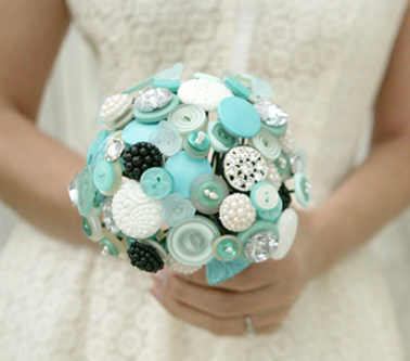 Wedding Flowers Ideas Buttons Blues Unconvential Heirloom