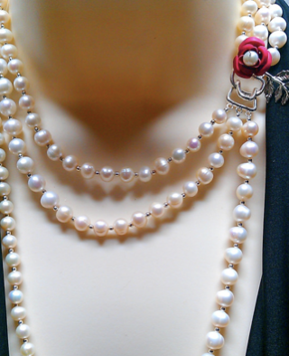 Wedding Inspiration 20s pearl necklace string