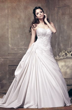 Hunted wedding dress strapless dress for Wedding dresses for big busted women
