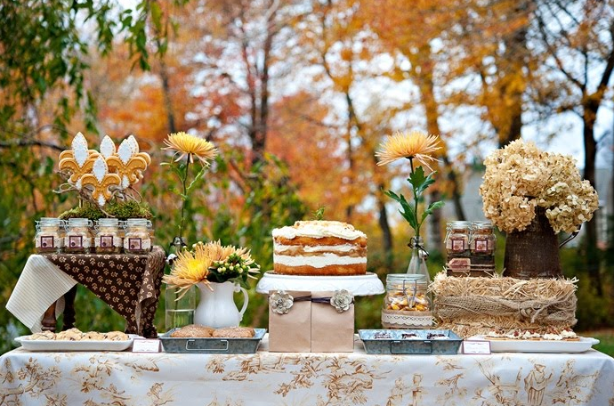 Hunted wedding inspiration autumn harvest wedding theweddinghunter - French country table centerpieces ...