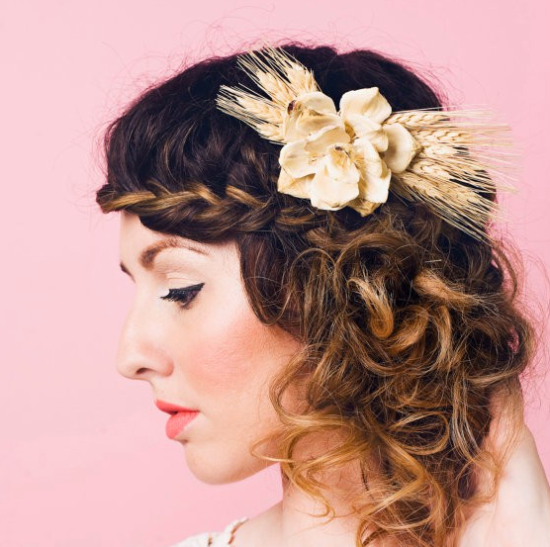 Bridal accessories autumn wedding hair