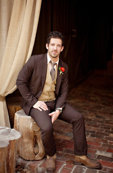 Fall Wedding Ideas Groom Brown Suit
